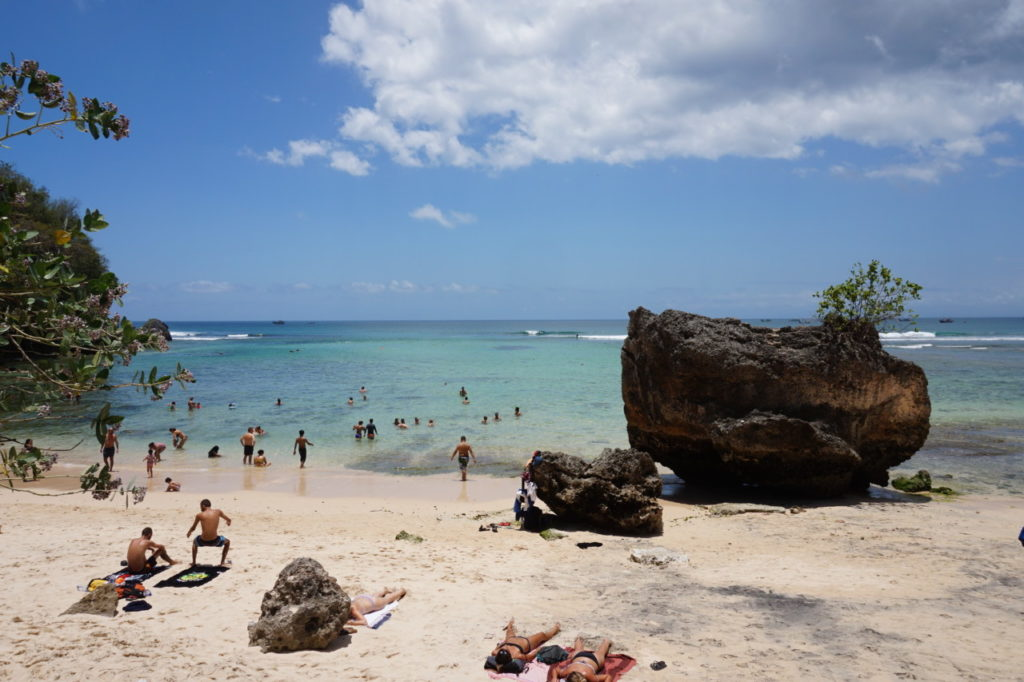 Best_beaches_for_surfing_Bali_Padang_Padang
